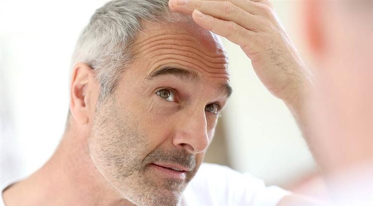 Yaşlılık, Saç Dökülmesi ve Burun Kıllarının Uzaması